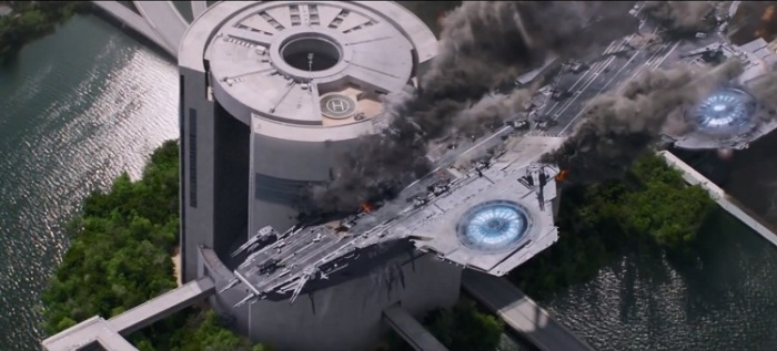 Captain-America-The-Winter-Soldier-helicarrier-crashes